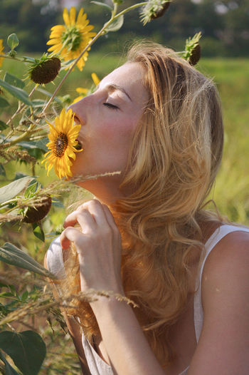Portrait One Person Women Beautiful Woman Day Nature Hair Flower Lifestyles Hairstyle Blond Hair Young Women Long Hair Flowering Plant Outdoors My Best Photo