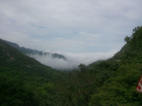 Scenics Mountain Travel Destinations Cloud - Sky Vacations Mount Abu Rajasthan, India