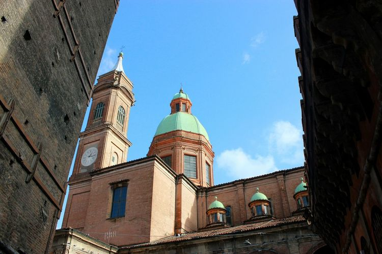 Red Roofs Bologna Red Rooftops EyeEm Selects Politics And Government City Clock Face Statue Sky Architecture Building Exterior Built Structure Catholicism Christianity Temple - Building Palace Historic Spirituality Religion Church Royalty Doges Palace