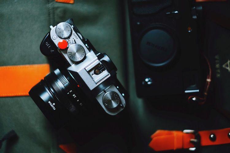 Shoot'em up Camera - Photographic Equipment Retro Styled Close-up Vinta Bag Vinta-s Gear Fujifilm Fujifilm_xseries Fuji Fujifilm X-Pro1 Fuji X-T20 Vscocam VSCO Vscogood Vscofilm
