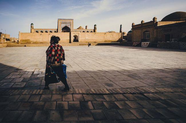 About the jacket and madrasah ... Architecture Uzbekistan Khiva Street Streetphotography Street Photography Tourism Traveling Architecture Urban Urbanphotography Old Buildings Sky Travel Destinations Fujifilmru Fujifilm_xseries Fujifilm X-t20 Xt20 Xf10-24mm Xf1024 Old Town City Cityscapes