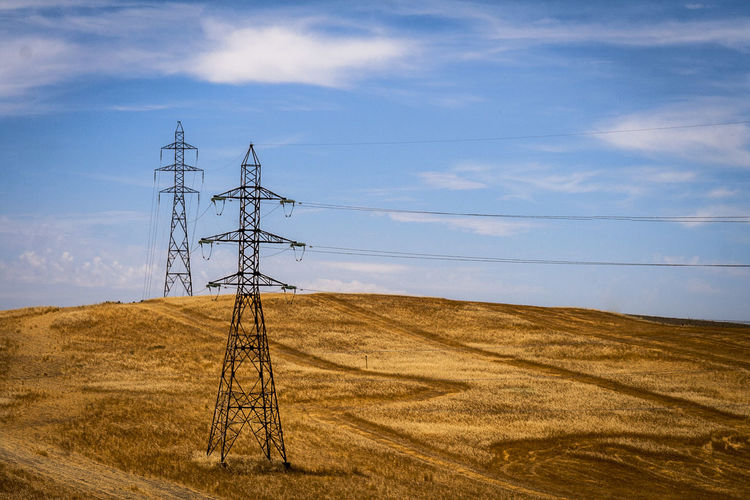 https://www.youtube.com/watch?v=KIk4s9rsBgw Cable Campiña Jaen Cloud - Sky Connection Day Electricity  Electricity Pylon Field Fuel And Power Generation Grass Landscape Linares Nature No People Outdoors Power Line  Power Supply Sky Technology Trigal Trigales