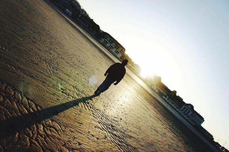 Aloneinthedark Followthelight Hellosunshine Beach Wake Up Sandandsun Sandandsea Frenchwork Frenchworld Aloneinthelight Aloneinbeach Alonetime