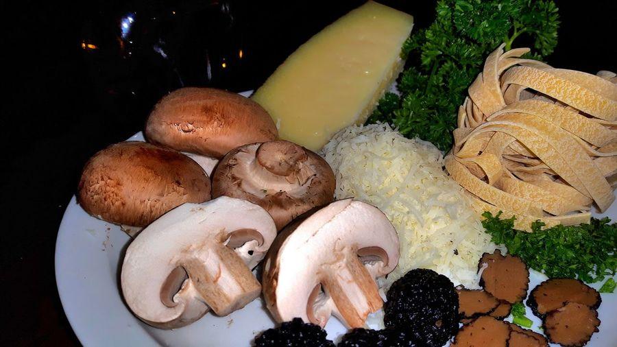 Tagliatelle Al Tartufo Nero Tartufo Nero Tartufo Estivo Tartufo Italian Food Ingredients Black Truffle Zomertruffel Truffles 43 Golden Moments Exquisite Food