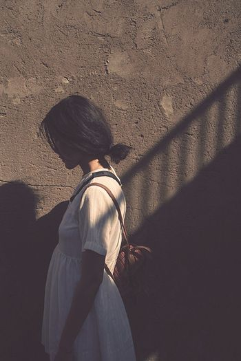Shooting Photography Light And Shadow Small Girl White Dress Capricorn Concretewalls