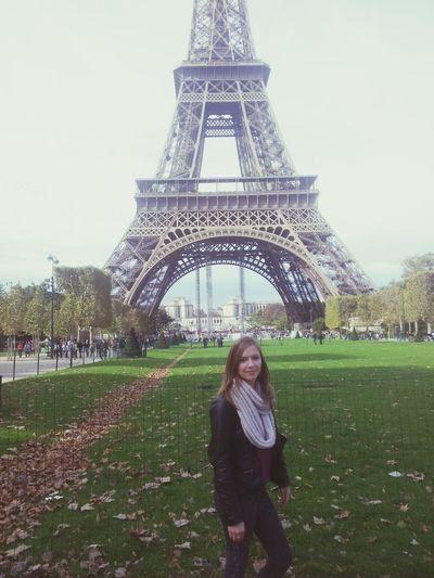 Paris Tour Eiffel Taking Photos Enjoying Life