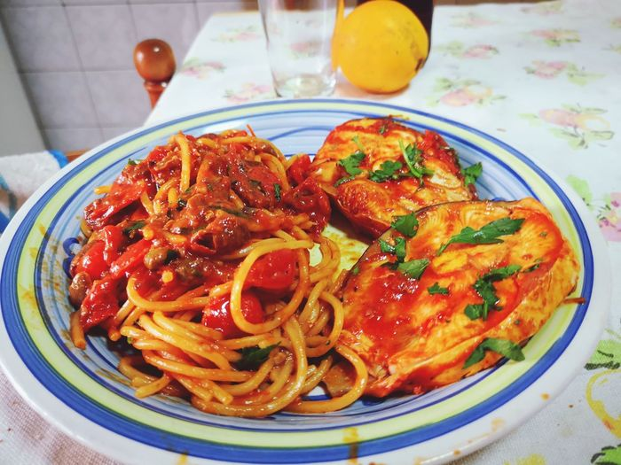 Spaghetti with swordfish Homemade cooking EyeEm Selects Italian Food Plate Cooked Savory Food Homemade Seafood Close-up Food And Drink Spaghetti Garlic Mediterranean Food Tomato Sauce Olive Oil Pasta