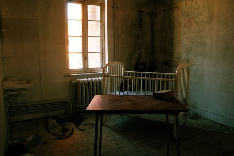 Spooky Photography Indoors  Window No People Sunlight House Home Interior Empty Baby Lost Places Lostplaces Psychology Spooky Atmosphere Urbanphotography Check This Out Verlassene Orte Germany GERMANY🇩🇪DEUTSCHERLAND@ Room Psycho