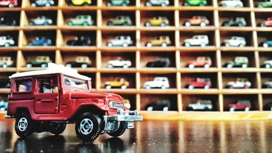 Toy Photography Toyota Landcruiser Jeep Wrangler  Red Tomica Toycollector Toyota Land Cruiser FJ40 Classic