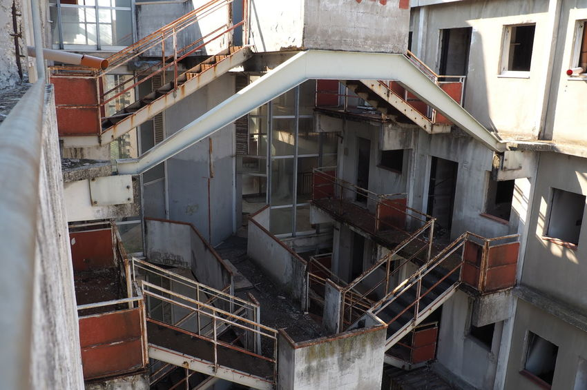 Scampia Architecture Broken Down House Building Exterior Built Structure Documentary Failure  Lost Place Napoli Outdoors Sails Scampia Social Housing Steps And Staircases Vele