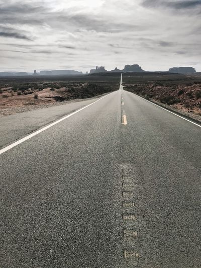 Monument valley Road United States Utah Monument Valley Sky Cloud - Sky Direction The Way Forward Nature Diminishing Perspective Land