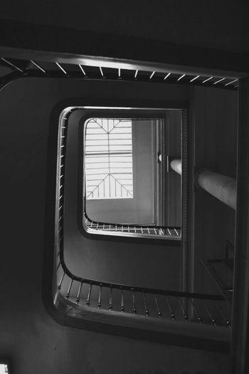 Escalier du 36 Quai des Orfevre .