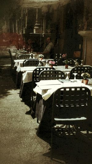 Street Photography Streetcoffee Tableschairs Street Photography Tables And Chairs Coffeelovers Rome Through My Eyes Colour Of Life Vacation Destination Roma Forever Light And Shadow Rome Italy🇮🇹 Rome Street Restsurants