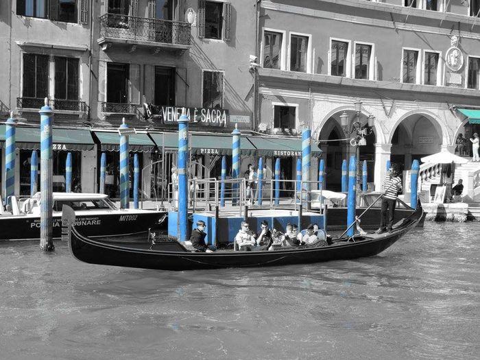 Venise Gondole In Venice Architecture Gondole Aventure Italie Voyages