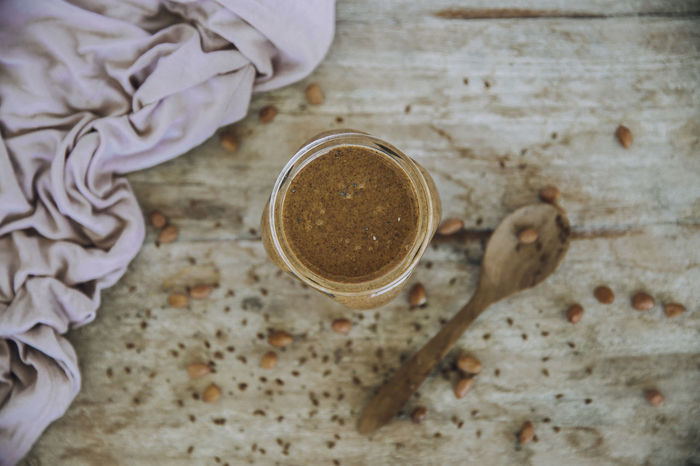 homemade, healthy Peanutbutter with wooden spoon Peanutbutter Homemade Homemade Food Erdnussbutter Nutbutter Vegan Vegan Food Healthy Cleaneating Peanuts Chia Coconut Oil Peanut Butter Nut Butter Xylit Birkenzucker DIY At Home Snack Food Peanutbuttercup Blender Wooden Spoon
