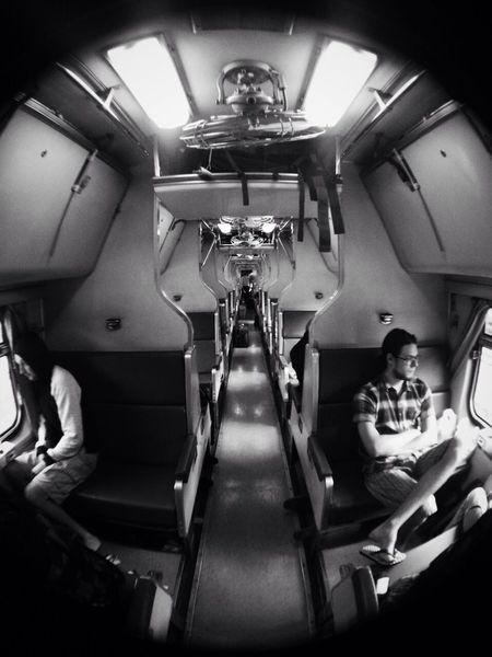 การเดินทางบนรถไฟ ที่แสนประทับใจนักท่องเที่ยวต่างชาติ มากันได้แล้ว from chiangmai