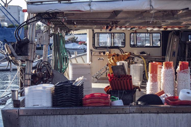 Per pescare, bisogna avere la mente sgombra. Come a biliardo. Si guarda la palla. Ci si concentra sulla traiettoria che le si vuole far fare, e poi si imprime alla stecca la forza che si desidera. Con sicurezza e determinazione. A pesca, si lancia la lenza, poi ci si concentra sul galleggiante. Non si lancia la lenza così a caso. (Jean-Claude Izzo) Cervia Store Market Fish Market Fishing Industry Commercial Fishing Net Fishing Net Fishing Boat Catch Of Fish Fishing Tackle Fishing Equipment Retail Display EyeEmNewHere The Still Life Photographer - 2018 EyeEm Awards Summer Road Tripping #urbanana: The Urban Playground