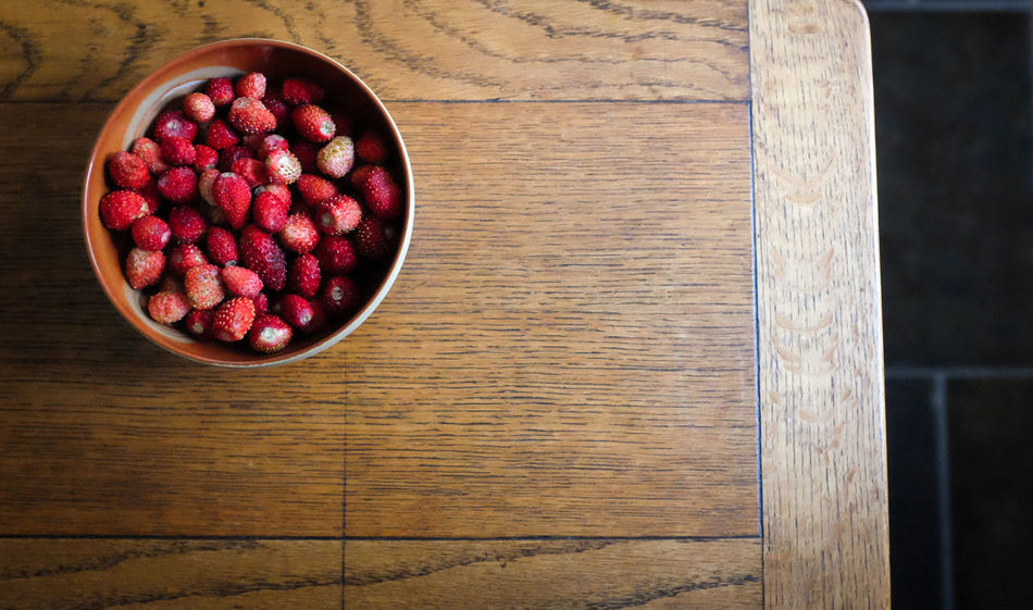 Wild Starwberries Bowl Close-up Food Food Photography Freshness No People Ready-to-eat Red Somerset England Still Life Strawberries Strawberry Wild Strawberries Wood - Material Wooden Fine Art Photography