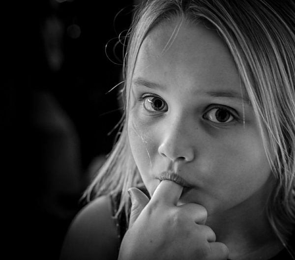 InLimhamn Irishcoffee Pappas Och Mammas Sockertjuv Daughter Portrait