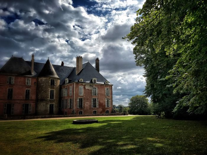 The Week On EyeEm Architecture Grass Sky Cloud - Sky Green Color Castle Castle Meung-sur-Loire Tree Outdoors
