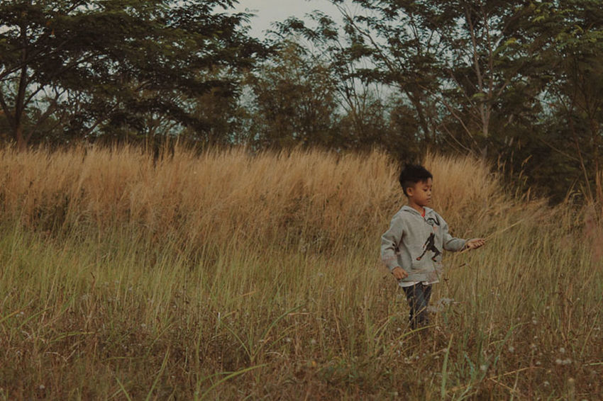 EyeEm Best Shots EyeEm Gallery Fieldscape Nature Photography Full Length Land Leisure Activity Lifestyles Nature One Person Pre-adolescent Child Real People Standing Young Adult The Portraitist - 2018 EyeEm Awards