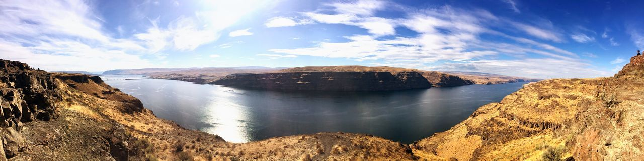 Columbia River Water Beauty In Nature Nature Scenics Sky Lake Cloud - Sky Tranquil Scene Outdoors No People Reflection Tranquility Landscape Day Sunlight