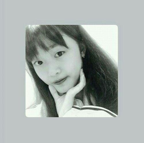 Longtimenoselfie Dangquynhhuong Cute Relax Time  First Eyeem Photo EyeEm Beautiful Girl Girl Blackandwhite Relax 🙆🙆🙆