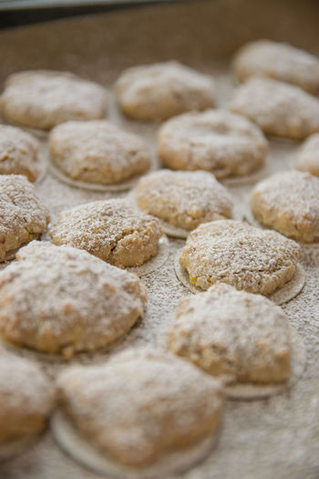Weihnachtsbäckerei Orangen Amaretti Almond Cookies Christmas Christmas Cookies Christmas Bakery Kekse Marzipan Kekse Backen Mandelkekse Orange Cookie Orangen Amaretti Orangen Kekse Rezeptfoto Time To Bake Weihnachten Weihnachtskekse Weihnachtszeit Adventszeit Amaretti  Amarettini Baking Close-up Food And Drink Foodphotography Foodporn Makronen At Maelu