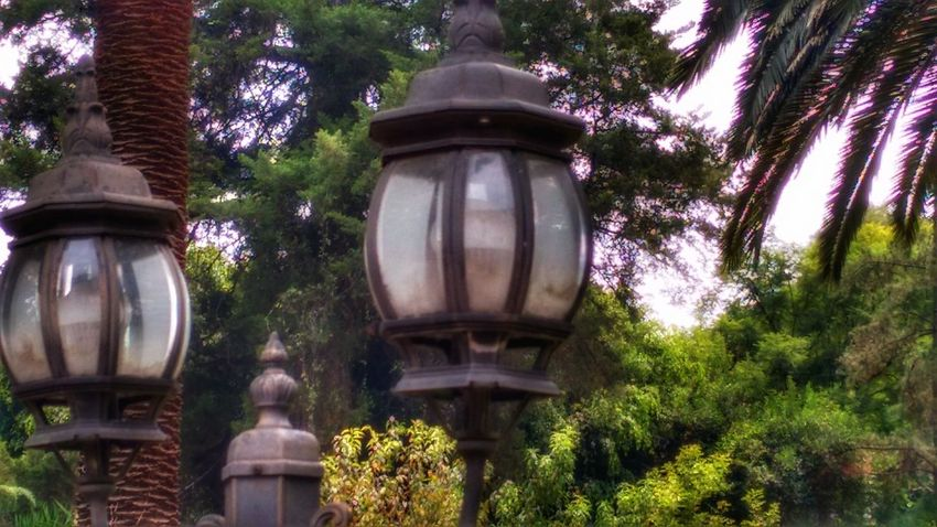 Dos viejos faroles (Two old lanterns). Low Angle View No People Outdoors Best Eyem Photo Best Eyeem Pics First Eyeem Photo Best Of EyeEm Lanterns Lights