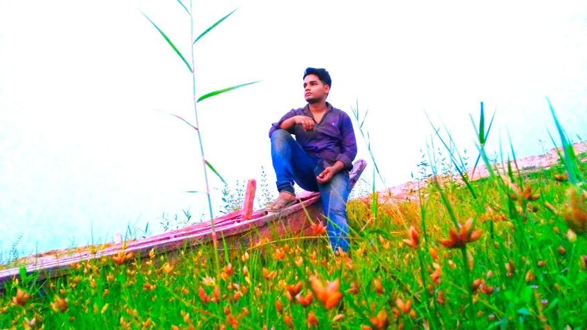 One Man Only Only Men One Person Mid Adult Adult Mid Adult Men Adults Only People Growth Agriculture Working Men Outdoors Casual Clothing Nature Day Field Flower Farmer Rural Scene Landscape Low Angle View Summer Sunlight Mobile Phone Photography EyeEmNewHere