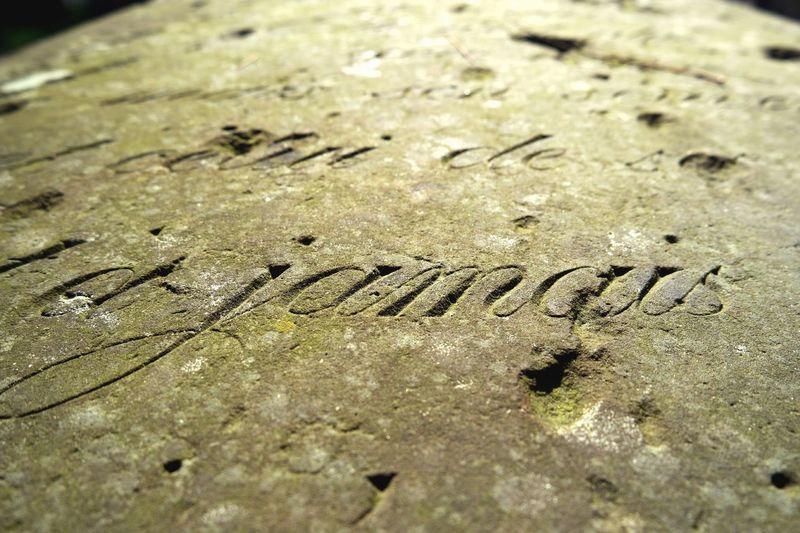 Dorotheenstädtischer Friedhof Französischer Dom Grabstein Old Graveyard French Fries Gravestone Handschrift Jamais Schönschrift Text