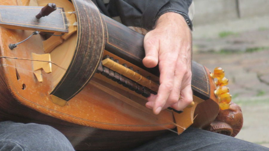 Adult Adults Only Close-up Day Guitar Holding Human Body Part Human Hand Indoors  Instrument Maker Men Musical Instrument One Man Only One Person Only Men People Plucking An Instrument Skill  String Instrument TakeoverMusic Working Ghironda
