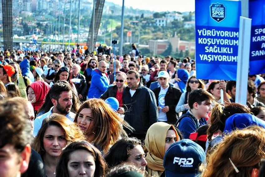 ... Yürüyorum!.. koşuyorum!.. sağlıklı yaşıyorum 😛 ... AvrasyaMaratonu Avrasyamaratonu2015 Oneistanbul Nikontoday Hayatakarken Allshotturkey Ig_profesyonel Myphototime Aniyakala Hayatkareleri Fotografsanati Istanbul Istanbuldayasam Objektifimdenyansıyanlar Fotografheryerde Objektifimden Igfotogram Bugununkaresi Foto_turkey Instagram_turkey Photooftheday Nikon Sizinkareniz Turkey Bestoftheday vscocuanlatistanbulmycaptureigtagramclupofthephoto