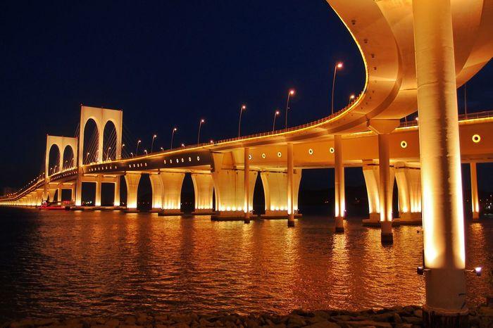 43 Golden Moments Gold Bridge Macau Night