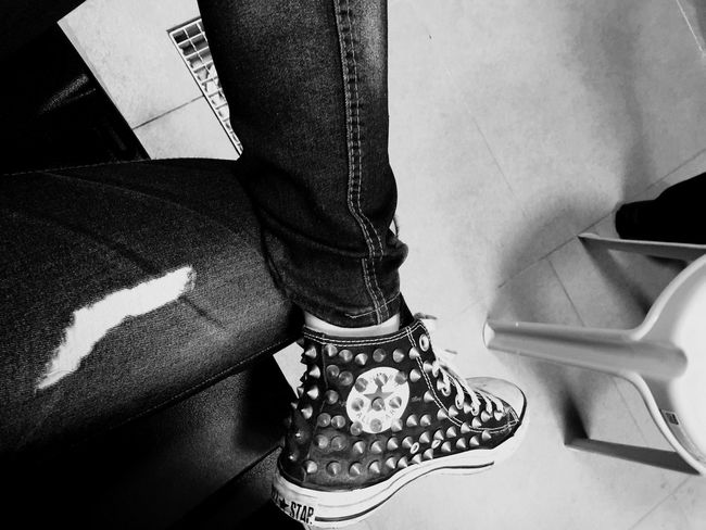 That's Me Taking Photos Selfportrait Converse Blue Jeans Shose Rock Thats Me  Night Need To Sleep