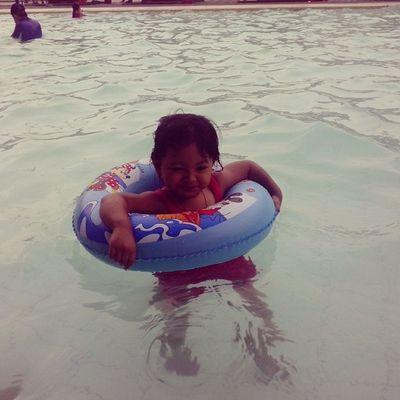 My najwa swimming 2014 Maret
