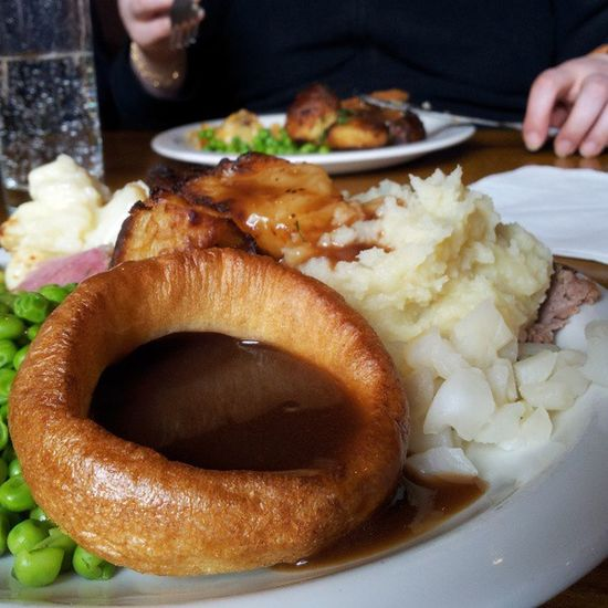 Lunch Yorkshirepudding Carvery Roast roastdinner gravy peas