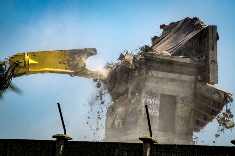 Demolition Zone Destroy Destroyed Buildings Destroyer No People Pincer Crusher Working Machines The Street Photographer - 2017 EyeEm Awards