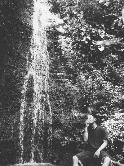 Sebelum mendaki alangkah baiknya ngudud dulu ditemani desiran air curug manglayang Gunungmanglayang First Eyeem Photo