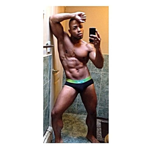 Mydedicationtomybody Consistency Body Muscle bxguy selfie aboutthatfitnesslife musclebody musclebeast fitness fitnesslife fitlife fitnessfreak musclefreak underwear 2xist camerahog male men chest legs abs face ?