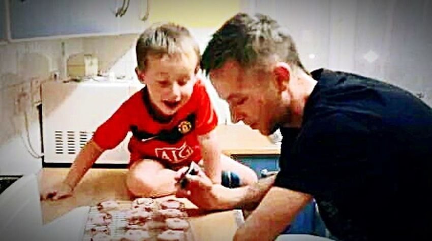 Me and my beautiful son who i am so lucky to have created - his voice and the fact hes in a Mufc shirt make it even Family ❤ BlessedwiththeBEST Fatherandsonmoments