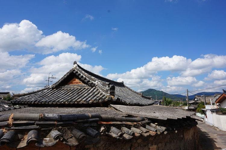 Gyeongju Korea Korean Korean Traditional Architecture Taking Photos Travel Traveling Trip Architecture Built Structure Cloud - Sky Sky Sony A5000 Streetphotography Traditional Architecture