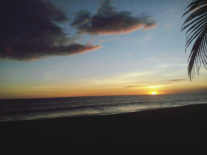 That gold sunset 43 Golden Moments Photography Guatemala Landscape Beach Check This Out Focus Nature Photography New Talent