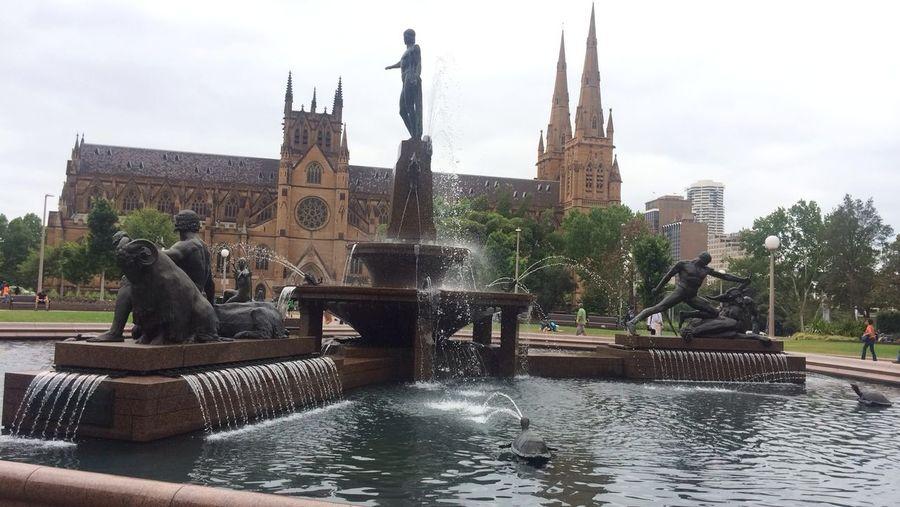 STILLNESS Architecture Building Exterior City Cityscape Flowing Water Fountain Outdoors Sculpture Statue Tourism Travel Destinations Water