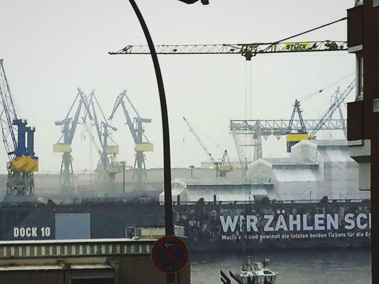 Construction Site Outdoors Petrochemical Plant Hamburger Hafen Hamburg Krähne Schiffahrt Foggy Day Adapted To The City