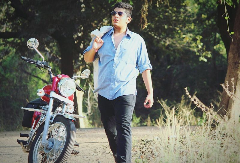 Photoshoot Whistling Enjoying Life Phptography Model Bullet Royalenfield