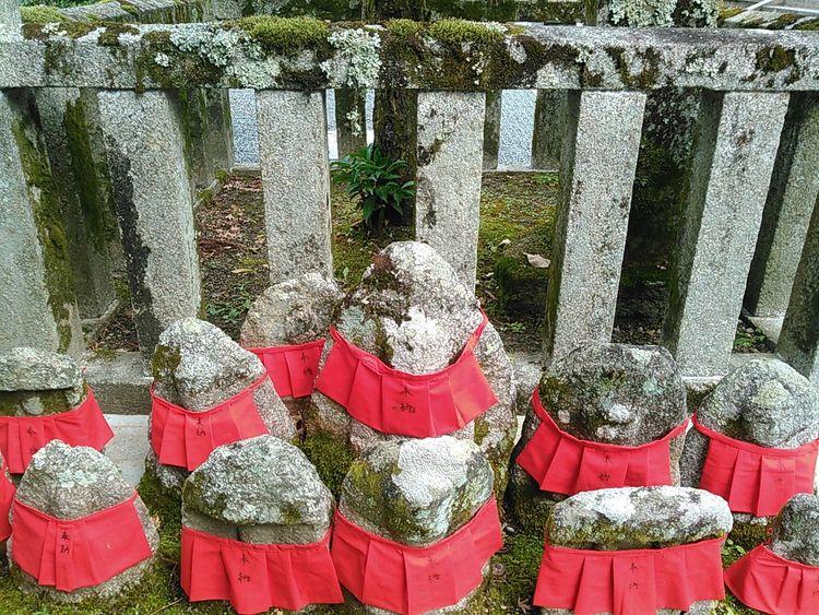 永観堂鐘楼脇のお地蔵様。 京都 Kyoto 永観堂 Eikando お地蔵様 地蔵 石仏 仏教 Buddha Statue 寺 寺院 Temple