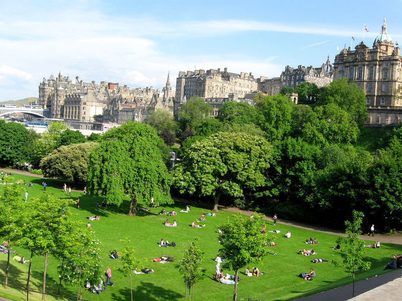 Lazy day at Edinburgh, Scotland/UK Chill Chilling City City City Life City Life Cityscape Cityscapes Edinburgh Green Green Color Lazy Lazy Day Nature Outdoors Park Scotish Scotland Tourism Tree United Kingdom Urban Urban Landscape Urban Lifestyle Urbanphotography
