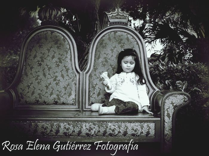 The lil queen... 😜😱😀😁 Check This Out Photo Session Photography The Lil Princess Moments Holding Back The Years Portraits Blackandwhite Photography Black And White Portrait Black And White EyeEmBestPics EyeEm Best Shots - Black + White EyeEm Best Shots Eye4photography  EyeEm Bnw Eyeem People EyeEm Portraits Eyeem Popular Photos Popular Photos Showcase: February Children Photography Children's Portraits Children Of The Revolution Children Portraits