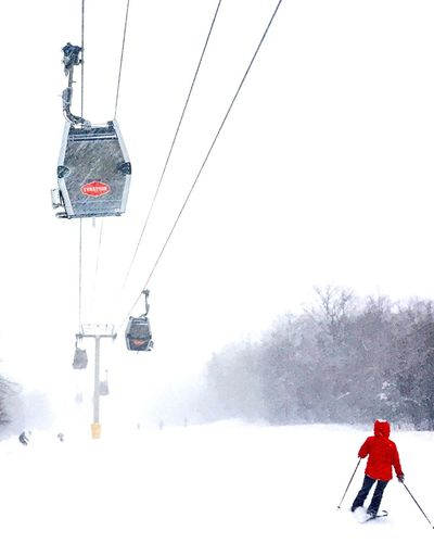 Snow Sports Winter Cold Temperature Snow Overhead Cable Car Snowing Ski Lift Skiing Strattonmountain  Vermont Blizzard Powder